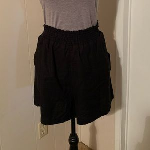 NWT Universal Thread high rise pull on shorts